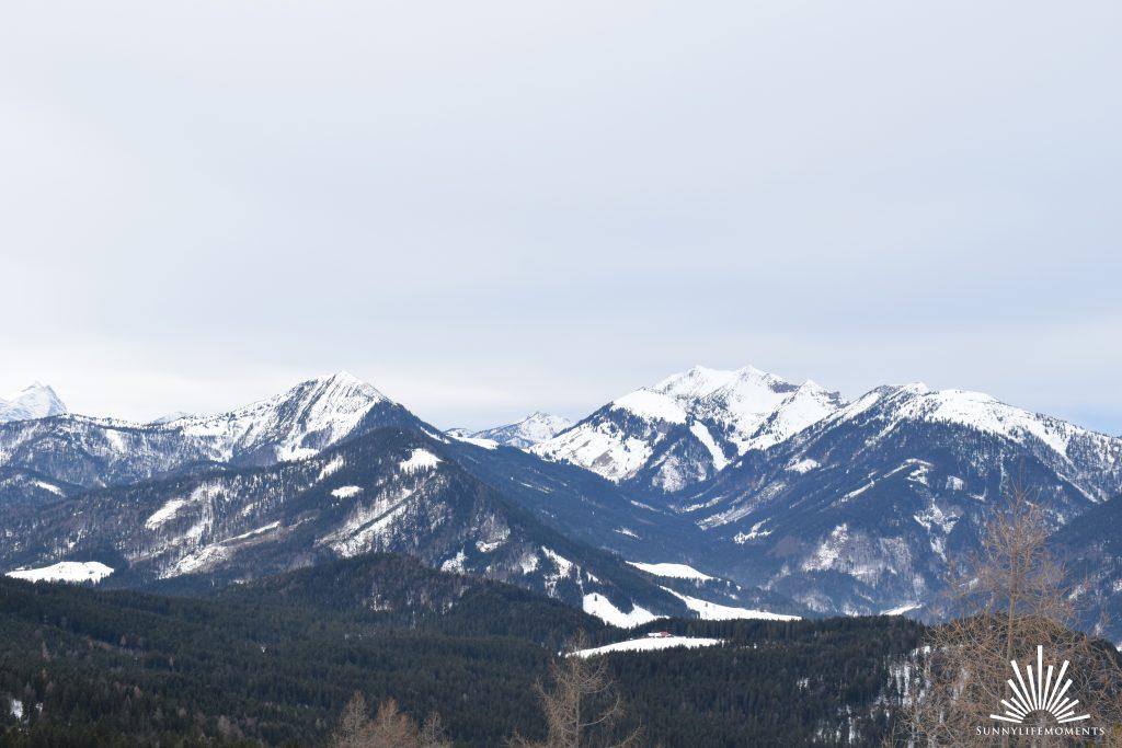 Bergpanorama der Kala Alm und Rodelbahn