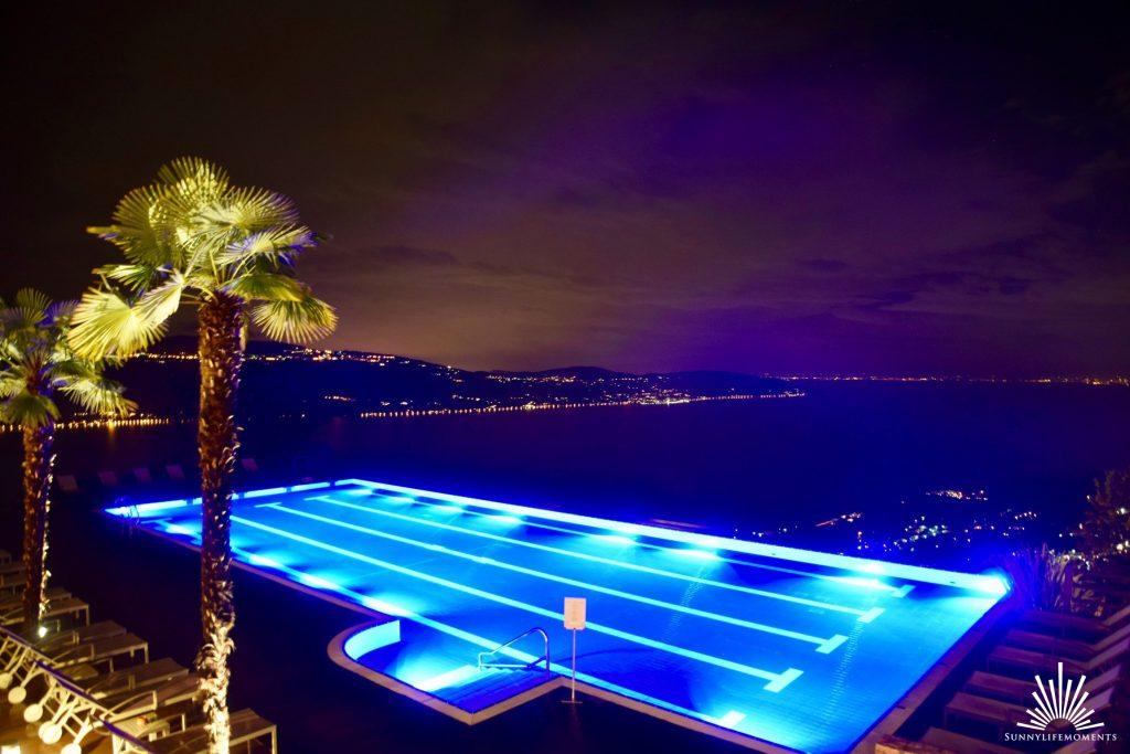 Lefay Resort bei Nacht