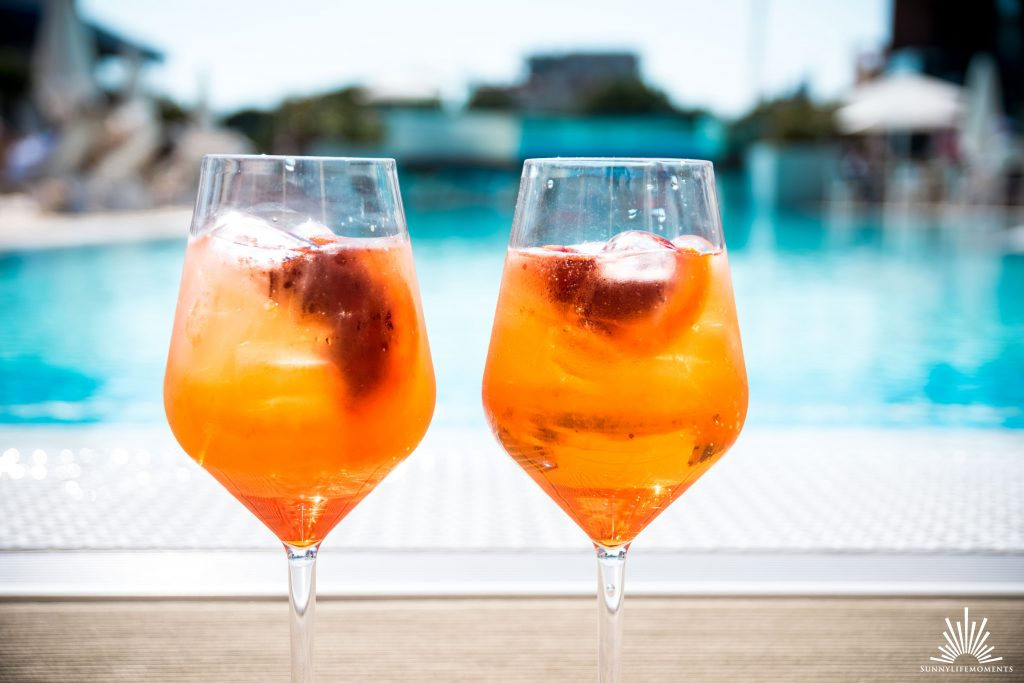 Aperol Spritz am Pool