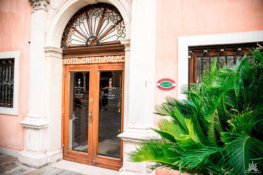 Hoteleingang The Gritti Palace Venedig