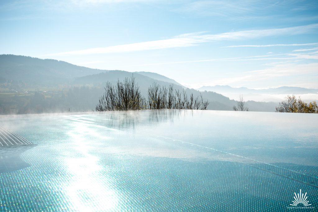 Infinity Pool Bergpanorama