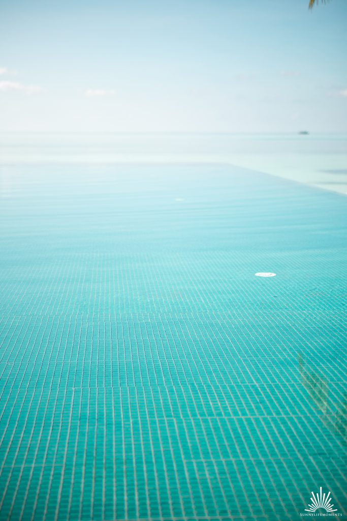 Infinity Pool LUX* South Ari Atoll
