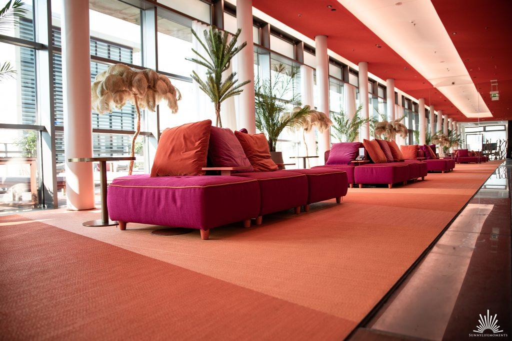 Sky Lounge SIDE Hotel