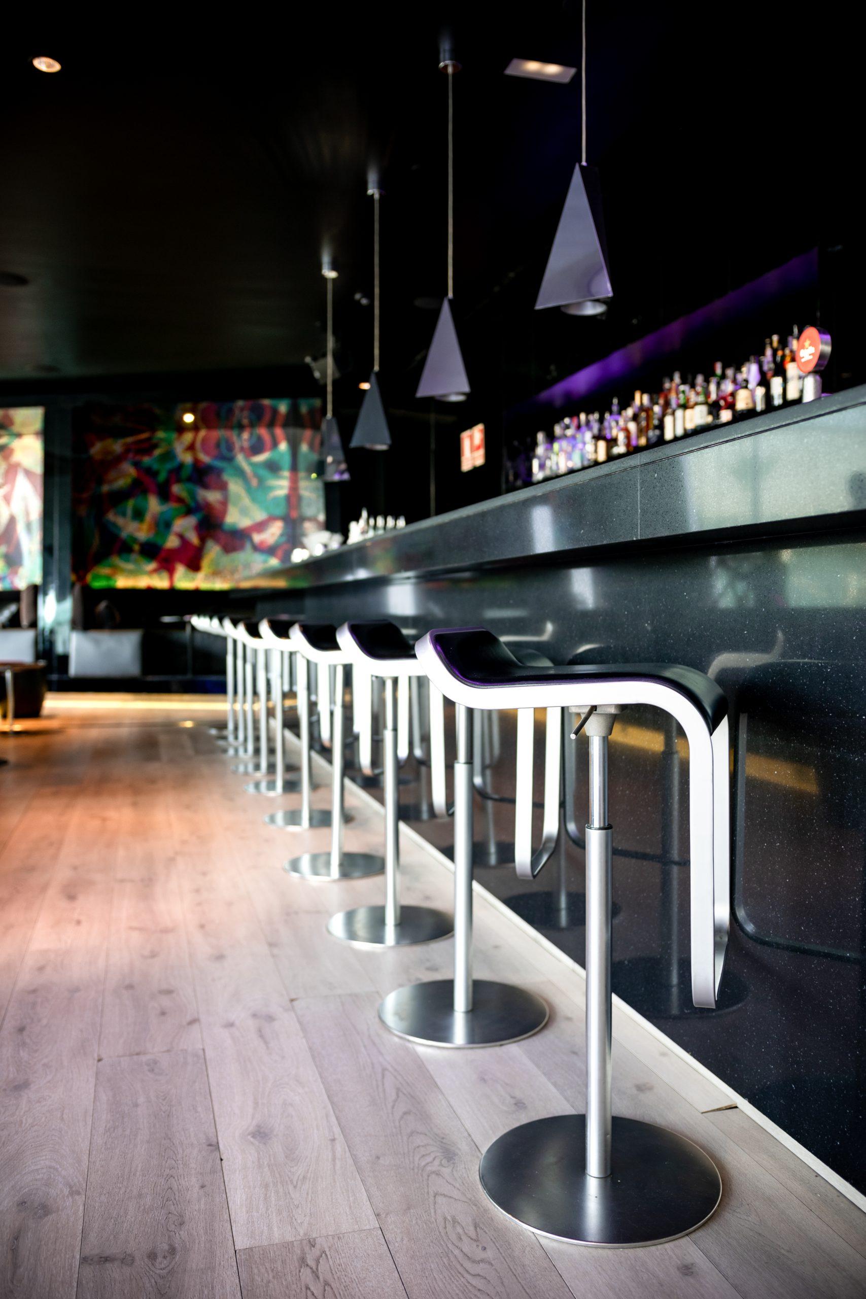 Bar W Hotel