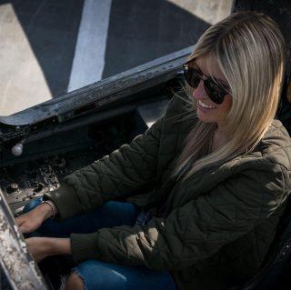 Du bist der Pilot in Deinem Leben ✈️ du kannst allein entscheiden in welche Richtung du fliegst und mit welcher Geschwindigkeit du voran kommst 💫🤩 #youareapilot #pilotlife