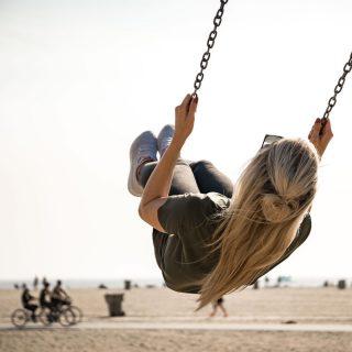 Lass das Kind in Dir raus und geh auch mal schaukeln ✨🙌 #innerchild #innerchildwork #happywednesday