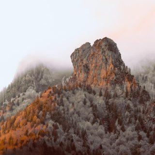 No mountain is too high 🏔 du entscheidest wie viele Stufen du jeden Tag kletterst!  Starte wundervoll in Dein Wochenende und genieße jeden Augenblick 💫🌺 #happyweekend #mountainlove