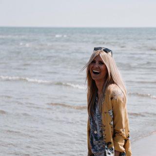 Starte mit einem Lachen in den Tag 💫 sei die magischste & strahlendste Version von dir selbst und entfache deine Lebenskraft! #glaubandich #folgedemflussdeslebens #followtheflow